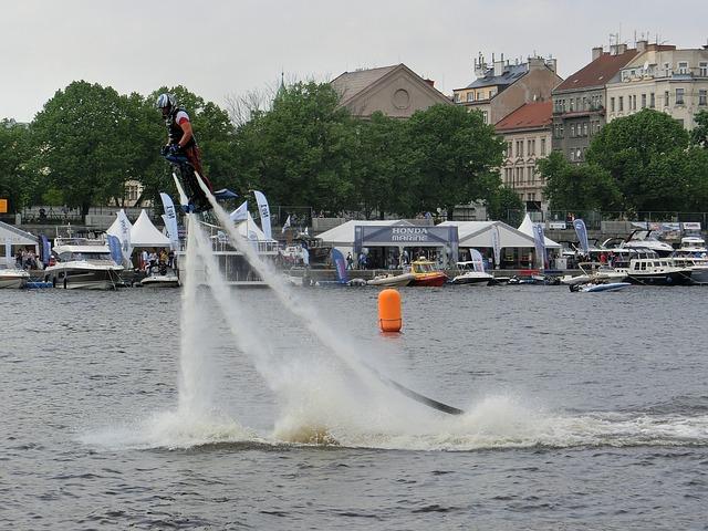flyboard na řece